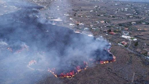 Más problemas en La Palma: la lava funde un suministro de agua y deja a más de 2.000 personas desabastecidas