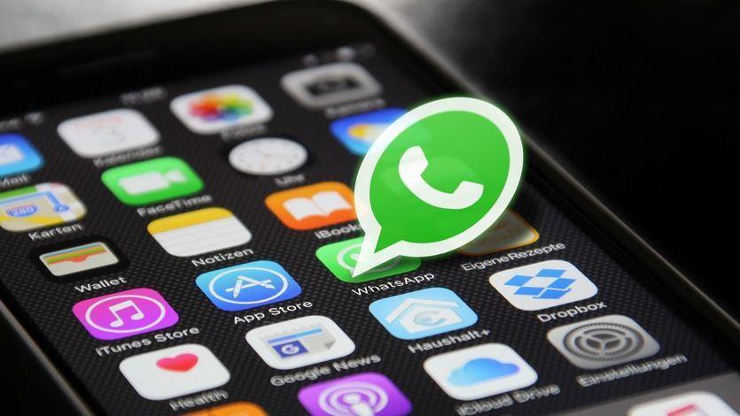 Desde las 17.30 horas  han dejado de funcionar Facebook e Instagram, y  WhatsApp