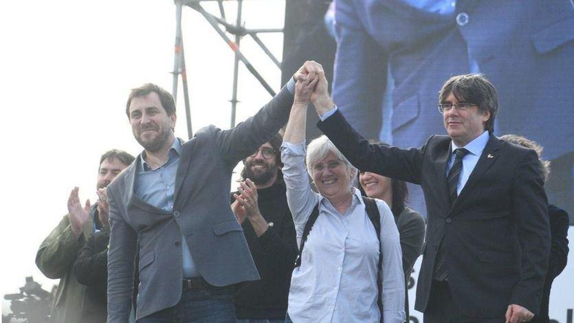Las órdenes de detención de Puigdemont y los ex consellers fugados siguen vigentes, según el Constitucional