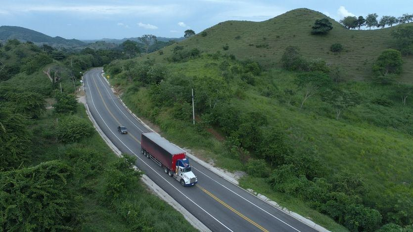 Sacyr gana el premio LatinFinance por la emisión del bono social de la autopista Montes de María (Colombia)