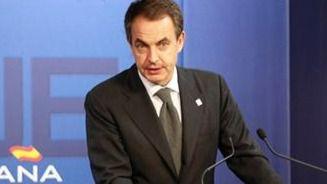 Zapatero ve necesaria una explicación del Rey emérito por sus escándalos y aboga por 'regular' la monarquía