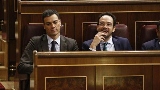 Sánchez sella la reconciliación del PSOE con la llegada de Antonio Hernando a Moncloa