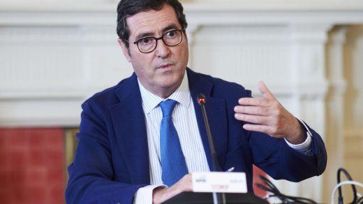 La patronal asegura que no pone 'líneas rojas' en la negociación de la reforma laboral