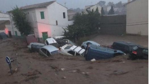 La madre del niño desaparecido consiguió salvar a su hija antes de morir arrastrada por la riada