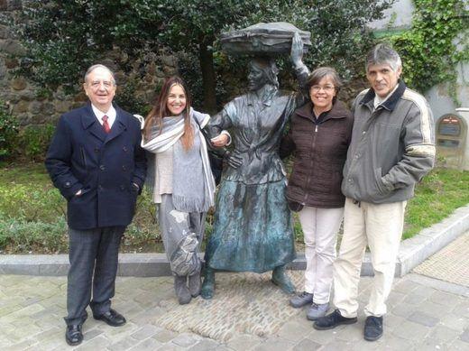 Una familia andina en Bermeo
