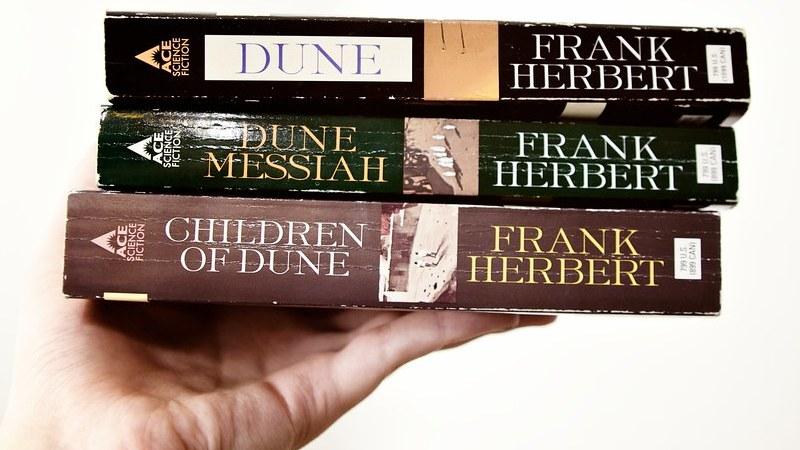 Centenario del nacimiento de Frank Herbert, el señor de las dunas