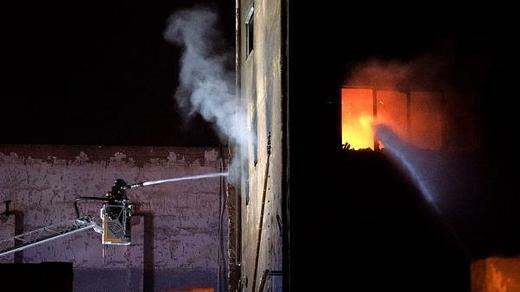 El incendio de la nave okupada en Badalona se salda con 3 muertos y varios heridos, 3 de ellos críticos