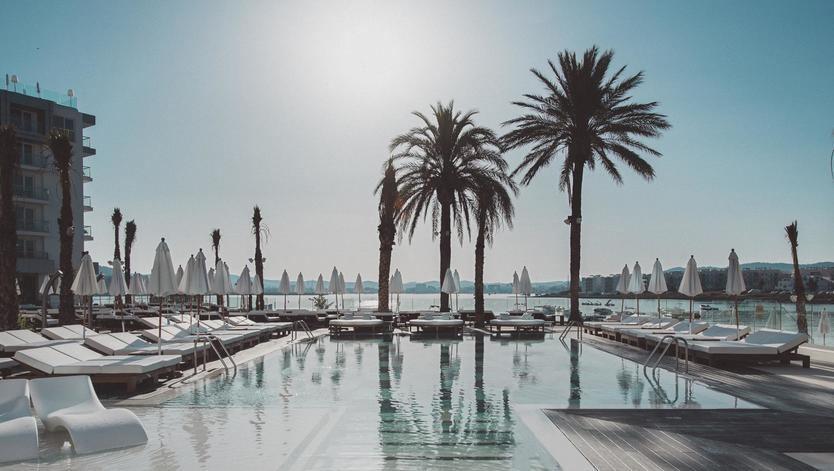 CaixaBank concede más de 1.000 millones en créditos al sector hotelero español durante el primer semestre del año