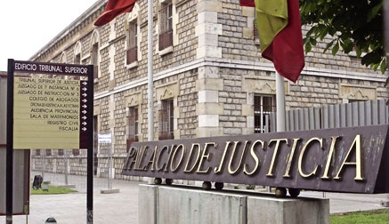 Acusado un empleado municipal de hacer facturas falsas en combinación con su mujer por valor de 376.189 euros