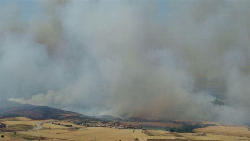 El incendio de Humanes arrasa 700 hectáreas y podría ser controlado en las próximas horas