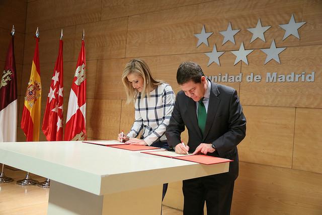 3.800 castellano-manchegos ahorrarán 1.000 euros con el nuevo convenio de transportes con Madrid