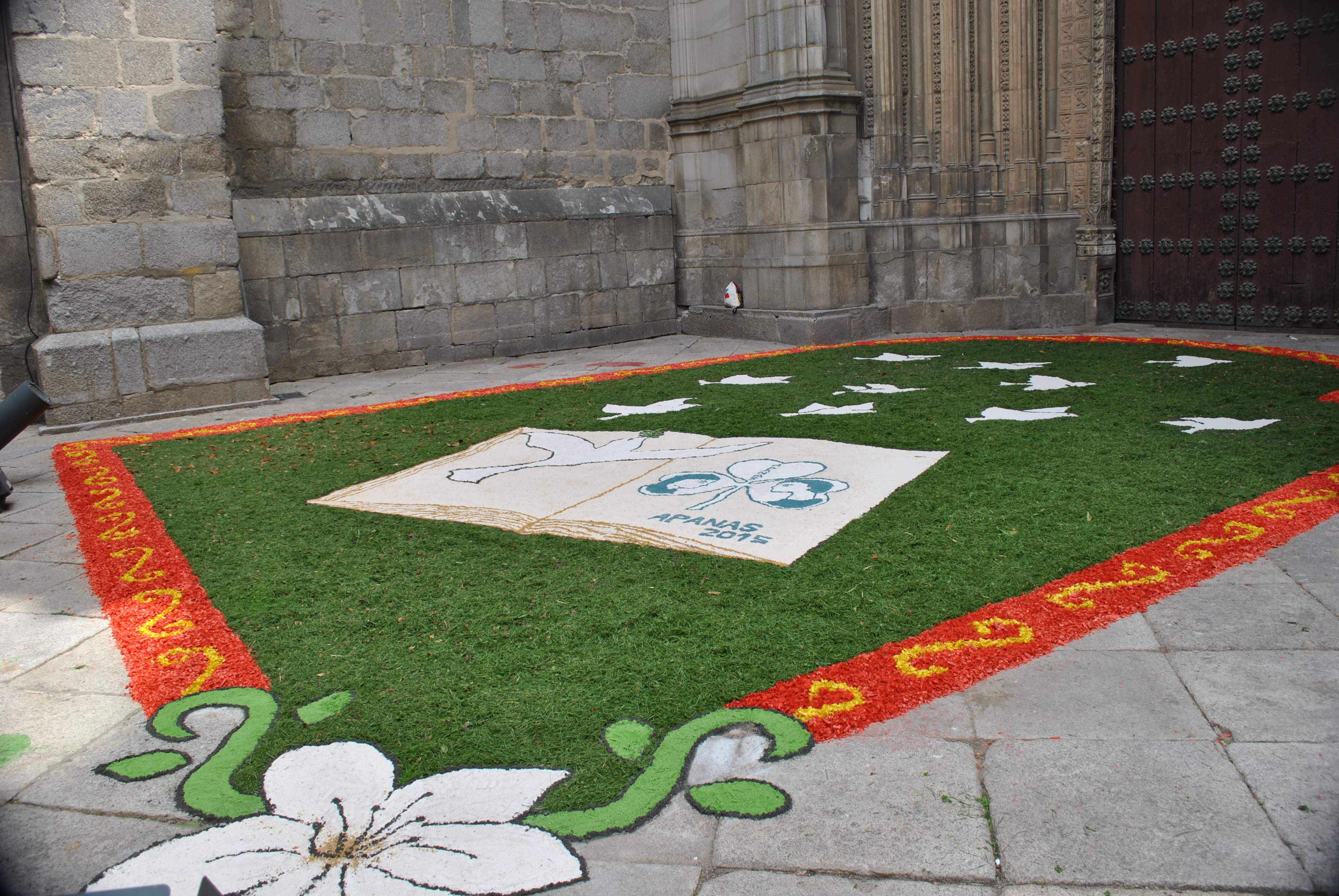 Apanas prepara una alfombra de 140 metros cuadrados para el Corpus de Toledo