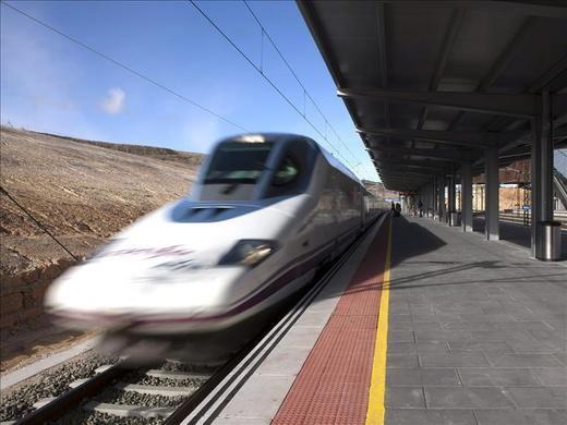 Fomento considera que la oferta de Cercanías entre Madrid y Guadalajara hace innecesario implantar lanzaderas
