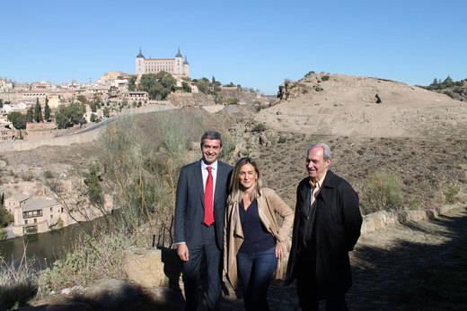 Álvaro Gutiérrez, hoy, junto a la alcaldesa de Toledo