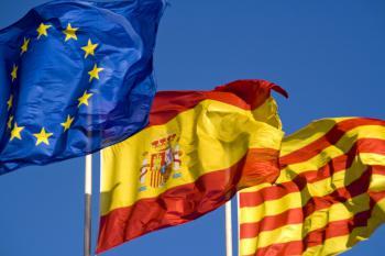 Banderas de Europa, España y Cataluña