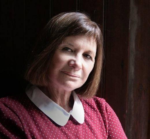 La albaceteña Alicia Giménez Barlett gana el Premio Planeta