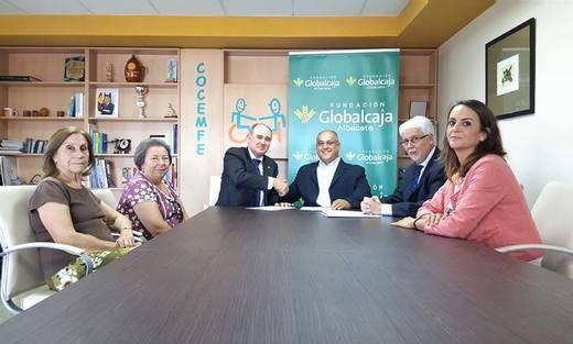 La asociación de discapacitados Cocemfe de Albacete recibe el apoyo de Globalcaja