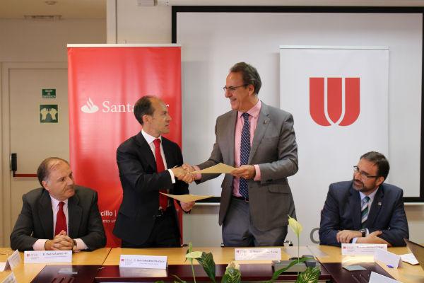 Crue Universidades Españolas y Banco Santander firman un convenio para la puesta en marcha de la AppCRUE
