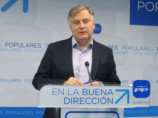 """""""El PSOE de Page y Podemos solo se preocupan del reparto de cargos"""