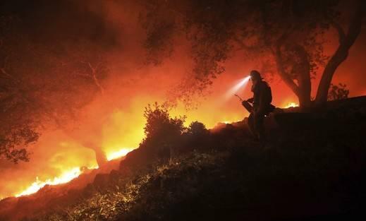 35 personas han perdido la vida en los incendios de California