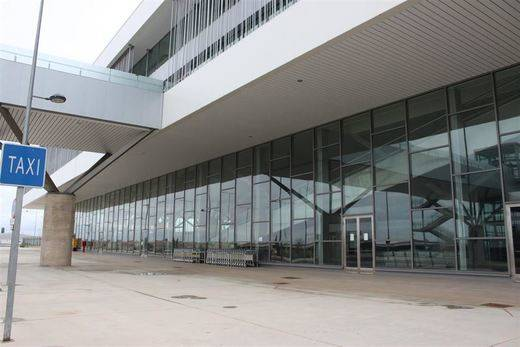 El aeropuerto de Ciudad Real, en la lista de morosos de Hacienda, tiene una deuda de más de siete millones