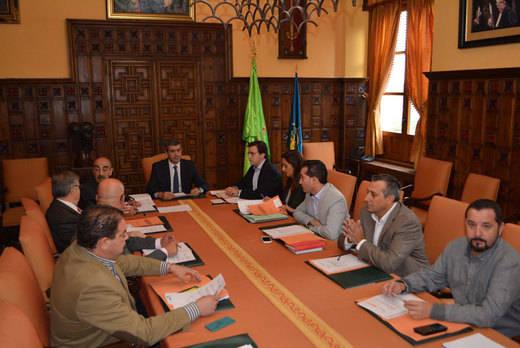 La comisión de investigación por los pisos de la Diputación de Toledo será pública y abierta