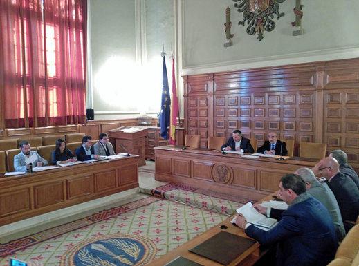 Declaran dos funcionarios en la Comisión de Investigación por los pisos de la Diputación de Toledo
