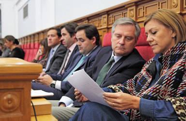 Cospedal deja su escaño en Castilla-La Mancha este miércoles coincidiendo con la presentación de las listas electorales