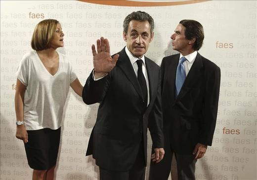 Cospedal dice que Grecia es ejemplo de quienes ofrecen quimeras y generan frustración