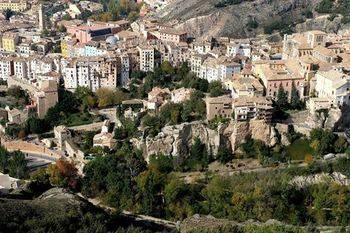 García- Page explica su plan para Cuenca como 'revulsivo' al sector turístico
