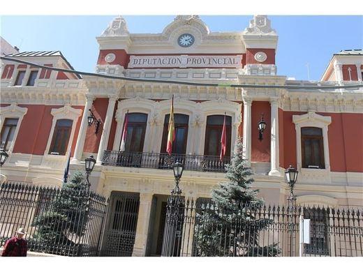 ¿Cuánto cobrarán los altos cargos de la Diputación de Albacete?