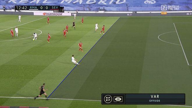 El penalti de la polémica en el Madrid-Sevilla: la interpretación del VAR que ha podido cambiar la Liga