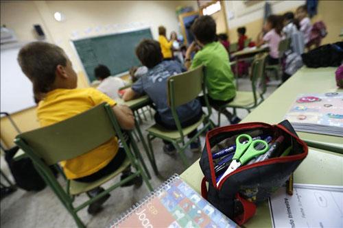 Educación 'no se pone fecha' para devolver a los docentes derechos perdidos