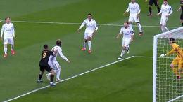 El arbitraje castiga al Madrid y le deja casi fuera de Europa (1-2)