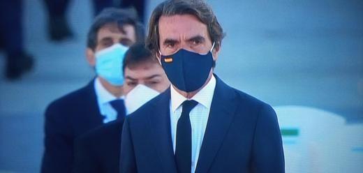 Los detalles más comentados del homenaje a las víctimas del coronavirus: la mascarilla de Aznar, el traje de Llop...
