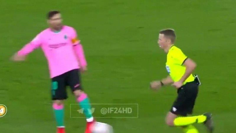 Es otro Messi: el argentino, desquiciado, casi agredió al árbitro