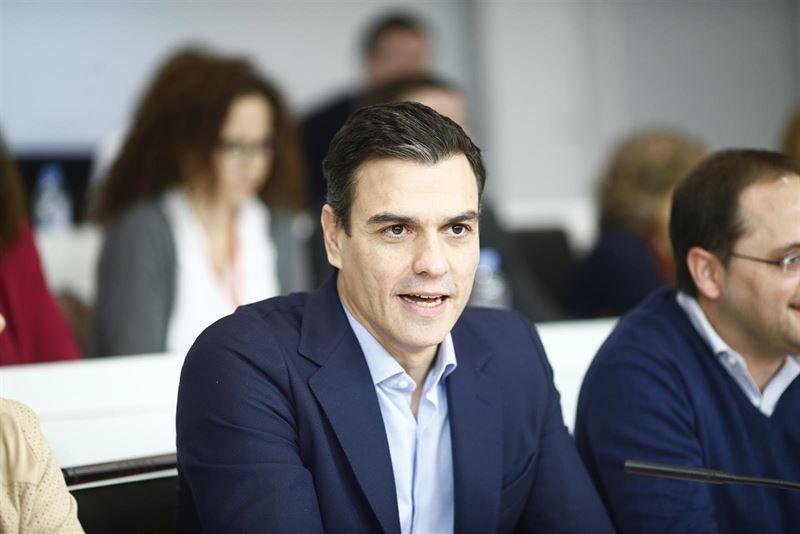 García-Page defiende que el PSOE no cuestiona la figura de Pedro Sánchez