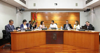 Reyes Estévez reconoce errores en la calificación de las oposiciones de Secundaria y lo atribuye a la gestión del PP