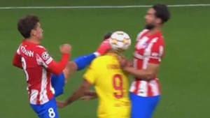 La roja de Griezmann llevó al Atleti a la derrota ante el Liverpool (2-3): ¿fue justa la expulsión?