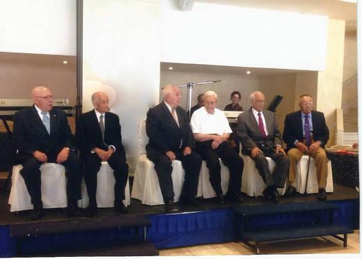 La Asociación de Antiguos Alumnos de la Fábrica de Armas homenajea a sus socios nonagenarios