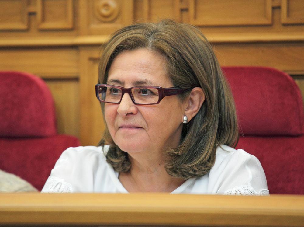 El PSOE pide a Cospedal que explique, antes de marcharse, su interés por el POM
