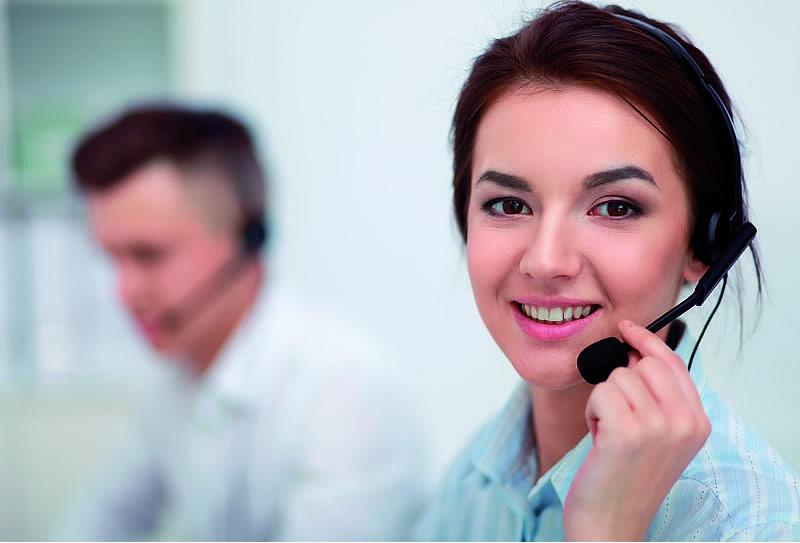 El Corte Inglés crea una línea de atención telefónica preferente para clientes con discapacidad