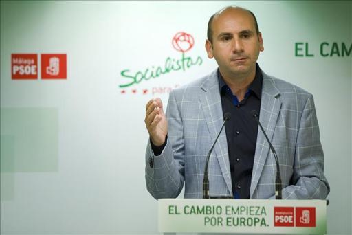 Citan a declarar al 'número tres' del PSOE andaluz en septiembre por una querella por prevaricación