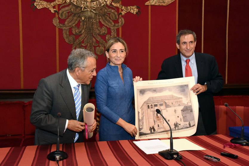 La alcaldesa comentaba el encuentro tras una recepción a la Fundación Jerusalem