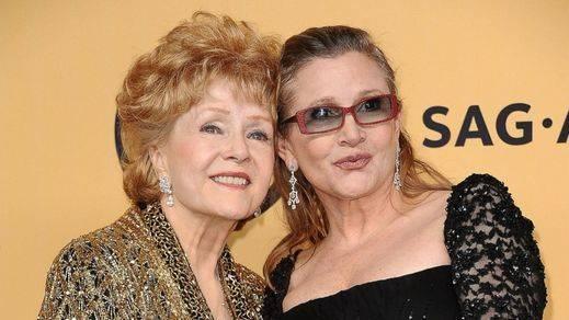La madre de Carrie Fisher, la también actriz Debbie Reynolds, fallece un día después