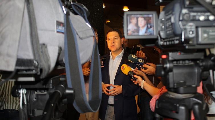 Page augura una legislatura estable con Podemos en Castilla-La Mancha