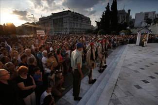 """Tsipras: """"No creo que quieran echarnos del euro porque el coste para ellos es demasiado grande"""""""