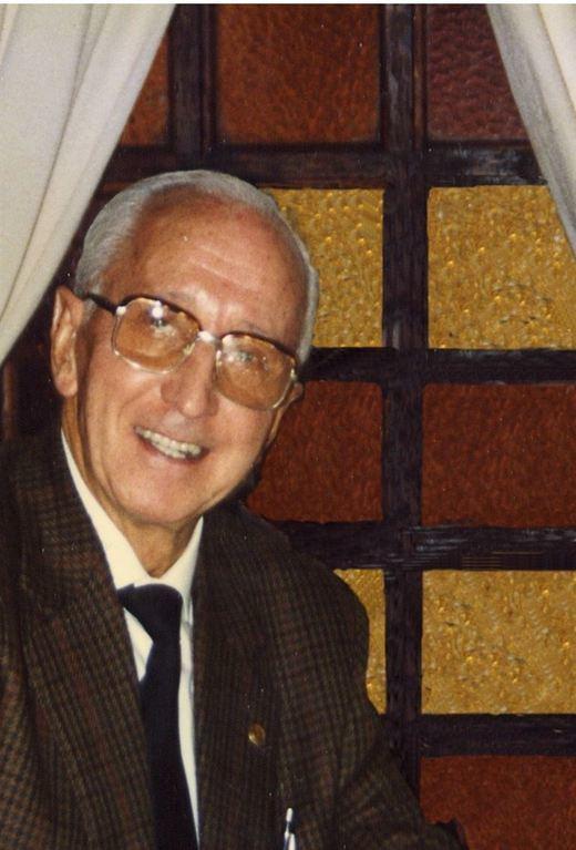 Calzada de Calatrava homenajea al inventor del pegamento Imedio