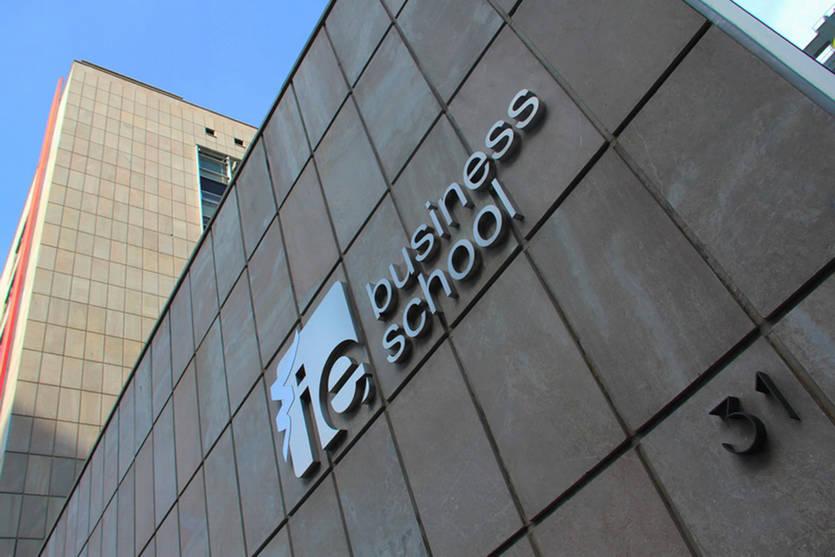 IE Business School anuncia los ganadores del I Premio de Periodismo Económico Hispano-Luso