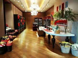 El Corte Inglés empieza a vender en China productos de alimentación 'made in Spain'